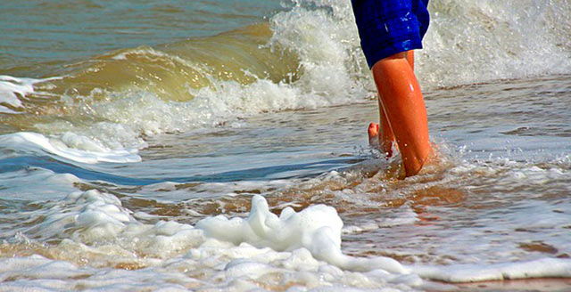 caminar-por-la-playa-2