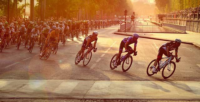 Ciclismo- tour-de-francia-tirar-basura